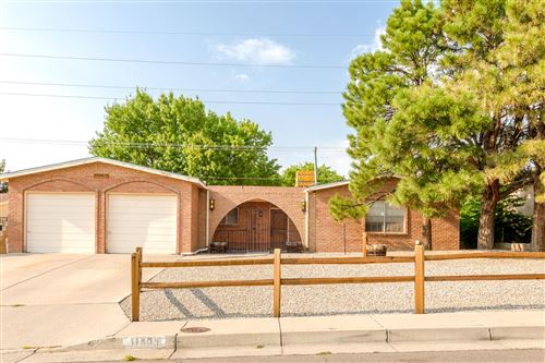 Photo of 11809 FULMER Drive NE, Albuquerque, NM 87111 (MLS # 975836)