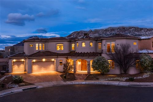 Photo of 8912 N OAKLAND Court NE, Albuquerque, NM 87122 (MLS # 985844)