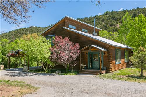 Photo of 12056 N STATE HIGHWAY 14, Cedar Crest, NM 87008 (MLS # 991852)