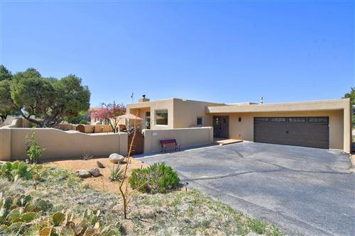 Photo of 154 JUNIPER HILL Road NE, Albuquerque, NM 87122 (MLS # 989853)