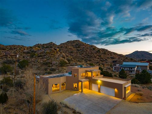 Photo of 1208 HIDEAWAY Lane SE, Albuquerque, NM 87123 (MLS # 984854)