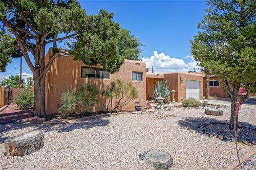 Photo of 4305 PONDEROSA Avenue NE, Albuquerque, NM 87110 (MLS # 971855)