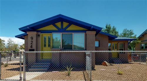 Photo of 924 6TH Street NW, Albuquerque, NM 87102 (MLS # 971865)