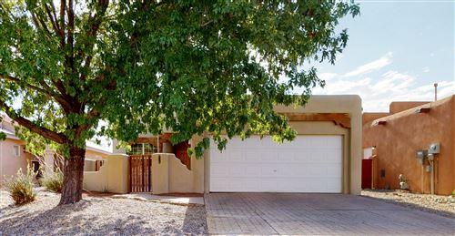 Photo of 543 VIA PATRIA SW, Albuquerque, NM 87121 (MLS # 971869)