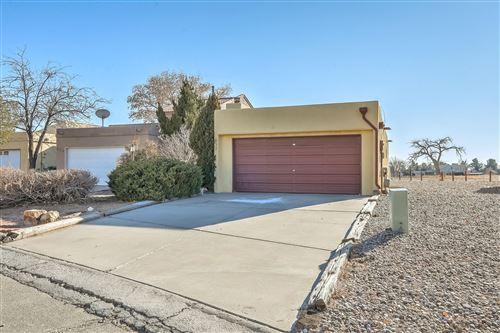 Photo of 632 LAKEVIEW Circle SE, Rio Rancho, NM 87124 (MLS # 983873)