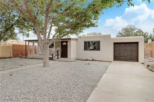 Photo of 1033 DAKOTA Street SE, Albuquerque, NM 87108 (MLS # 976881)