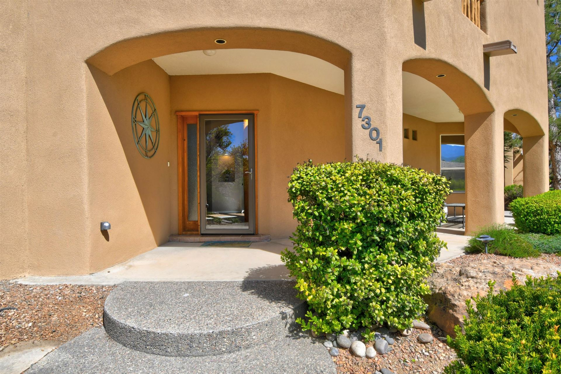 Photo of 7301 NEW DAWN Court NE, Albuquerque, NM 87122 (MLS # 967882)