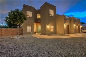 Photo of 4648 Croyden Avenue NW, Albuquerque, NM 87114 (MLS # 948885)
