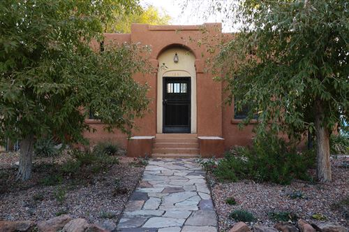 Photo of 516 12TH Street NW, Albuquerque, NM 87102 (MLS # 959886)