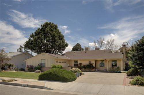 Photo of 7208 DELLWOOD Road NE, Albuquerque, NM 87110 (MLS # 979893)