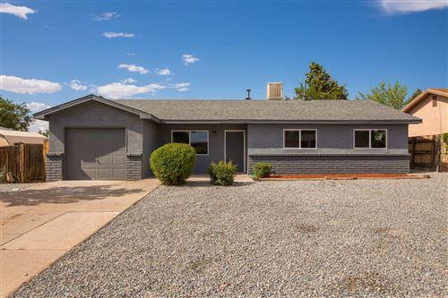 Photo of 612 GRETTA Street NE, Albuquerque, NM 87123 (MLS # 996898)