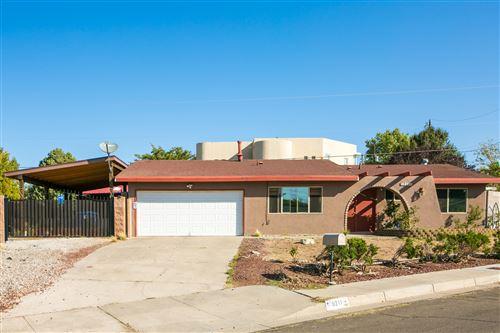 Photo of 9211 JAMES Place NE, Albuquerque, NM 87111 (MLS # 977899)