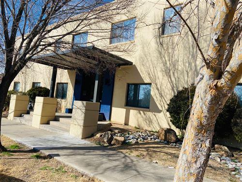 Photo of 2001 GOLD Avenue SE #B, Albuquerque, NM 87106 (MLS # 984899)