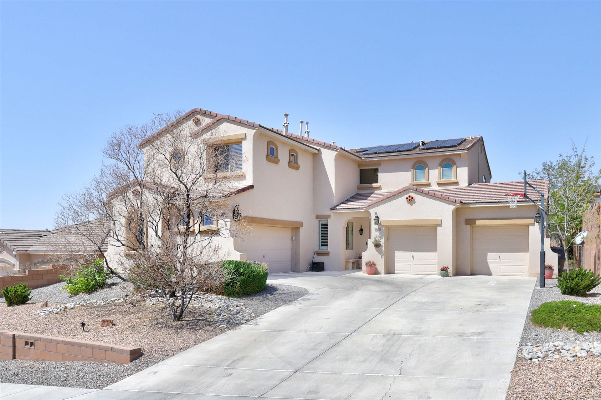Photo of 1005 Rockaway Boulevard NE, Rio Rancho, NM 87144 (MLS # 989901)