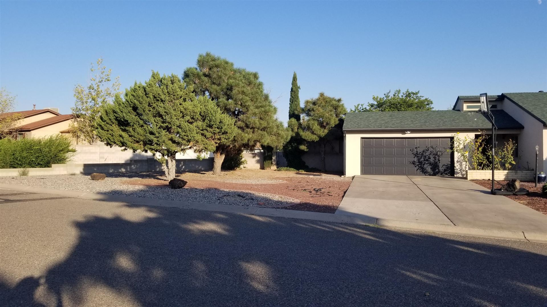Photo of 2343 LEMA Road SE, Rio Rancho, NM 87124 (MLS # 977903)