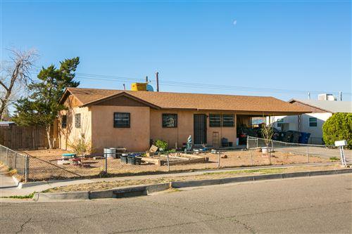Photo of 1700 PROSPECT Avenue NW, Albuquerque, NM 87104 (MLS # 988906)