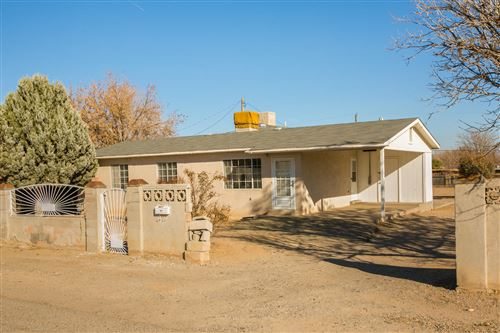 Photo of 3308 KIRKVIEW Drive SW, Albuquerque, NM 87121 (MLS # 957907)