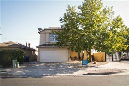Photo of 8116 VISTA SERENA Lane SW, Albuquerque, NM 87121 (MLS # 977908)