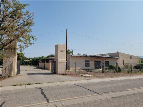 Photo of 3301 MOUNTAIN Road NW, Albuquerque, NM 87104 (MLS # 999908)