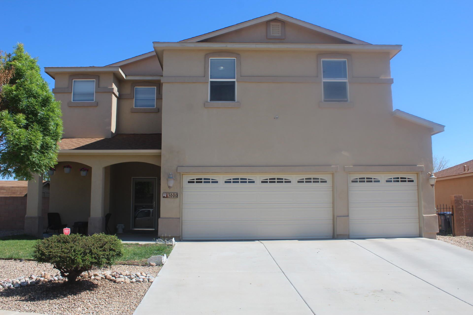 Photo for 3600 Wagon Wheel Street SW, Los Lunas, NM 87031 (MLS # 990913)
