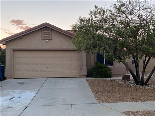 Photo of 701 PURPLE ASTER Avenue SW, Los Lunas, NM 87031 (MLS # 1000915)
