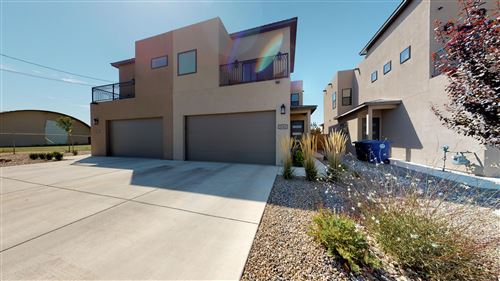 Photo of 2304 MOUNTAIN Road NW, Albuquerque, NM 87104 (MLS # 961915)