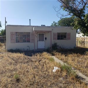 Photo of 219 GENERAL CHENNAULT Street NE, Albuquerque, NM 87123 (MLS # 955918)