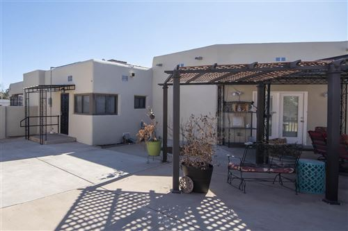 Photo of 911 Washington Street SE, Albuquerque, NM 87106 (MLS # 960920)