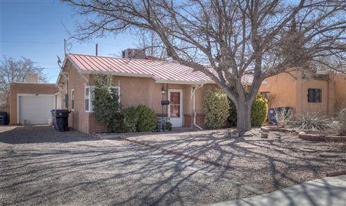 Photo of 1212 JACKSON Street SE, Albuquerque, NM 87108 (MLS # 986921)