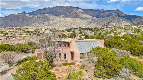 Photo of 342 WHITE OAKS Drive NE, Albuquerque, NM 87122 (MLS # 989921)