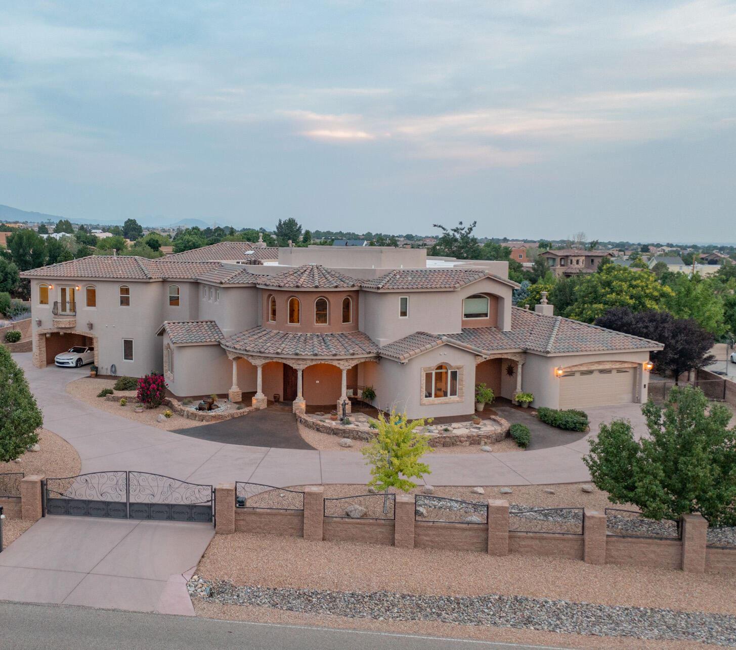 Photo of 10000 SIGNAL Avenue NE, Albuquerque, NM 87122 (MLS # 996924)