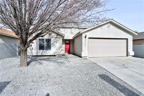 Photo of 7515 DESERT CANYON Place SW, Albuquerque, NM 87121 (MLS # 983926)