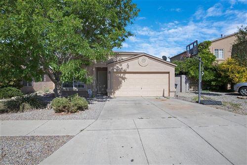 Photo of 508 WHISPERING Street SW, Albuquerque, NM 87121 (MLS # 991926)