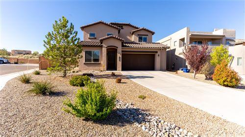Photo of 11944 DAHLIA Avenue SE, Albuquerque, NM 87123 (MLS # 989928)