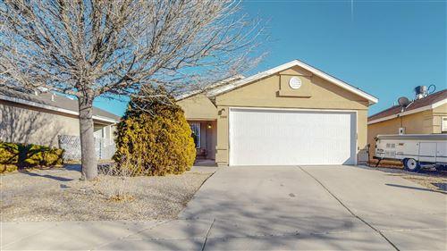 Photo of 2100 N WIND Drive SW, Albuquerque, NM 87121 (MLS # 983930)