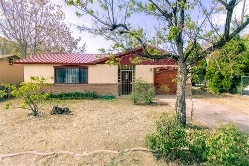 Photo of 2616 ARENAL Road SW, Albuquerque, NM 87105 (MLS # 991930)