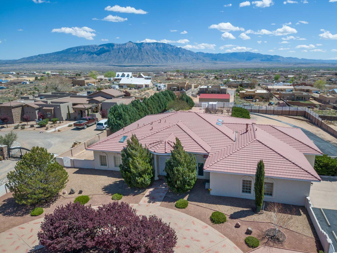 Photo of 1016 SARATOGA Drive NE, Rio Rancho, NM 87144 (MLS # 965931)