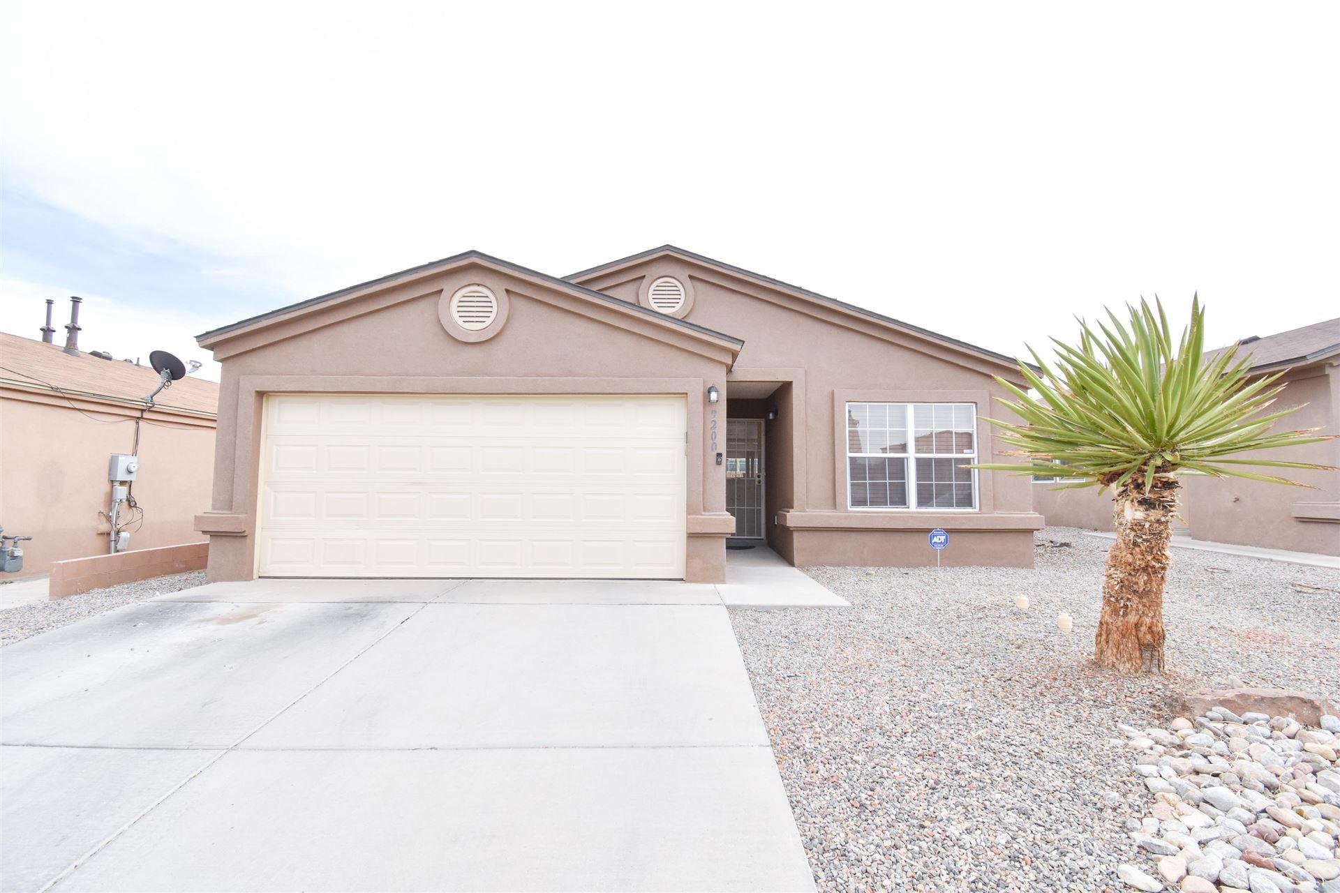Photo of 9200 VALLE VIDAL Place SW, Albuquerque, NM 87121 (MLS # 989931)