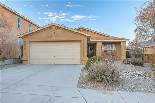 Photo of 11109 Red Robin Road SW, Albuquerque, NM 87121 (MLS # 962933)