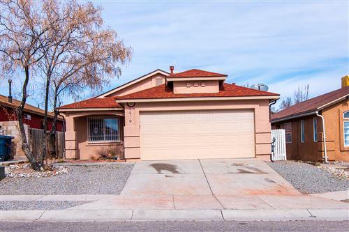 Photo of 9919 BRIDLE FALLS Avenue SW, Albuquerque, NM 87121 (MLS # 991933)