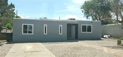 Photo of 904 CALIFORNIA Street SE, Albuquerque, NM 87108 (MLS # 996936)