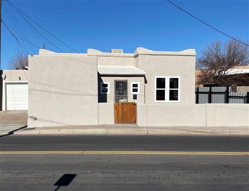 Photo of 1217 MOUNTAIN Road NW, Albuquerque, NM 87102 (MLS # 982937)