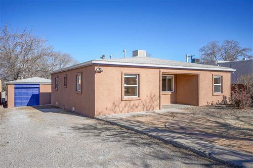 Photo of 1814 RIDGECREST Drive SE, Albuquerque, NM 87108 (MLS # 983938)
