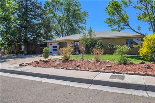 Photo of 5722 HANNETT Avenue NE, Albuquerque, NM 87110 (MLS # 991938)