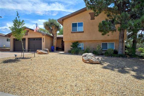 Photo of 14116 LA CUEVA Avenue NE, Albuquerque, NM 87123 (MLS # 974942)
