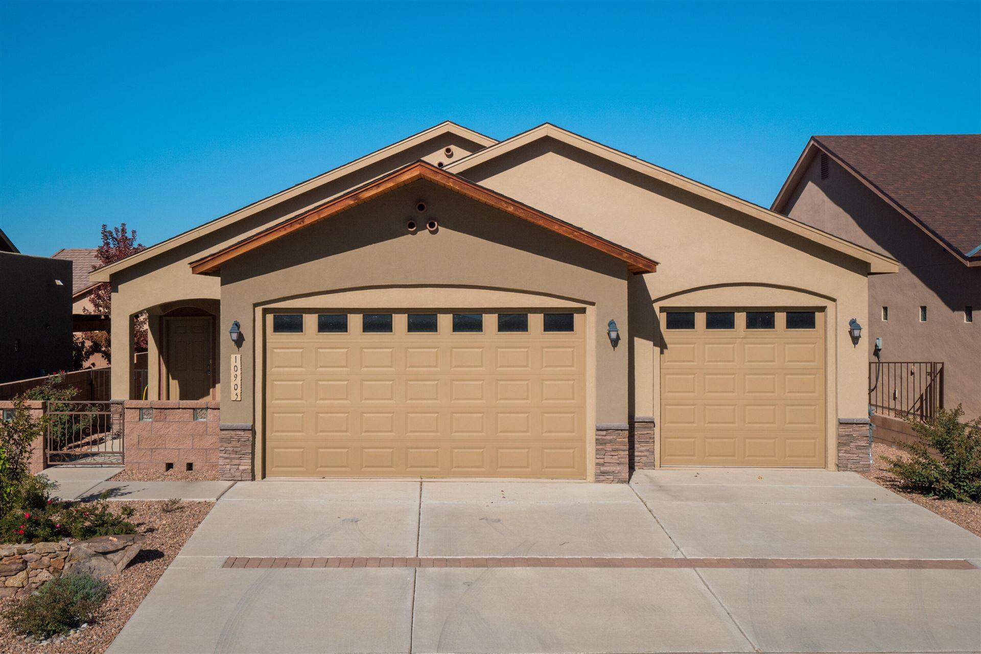 10905 CALANDRIAS Street NW, Albuquerque, NM 87114 - #: 1002944