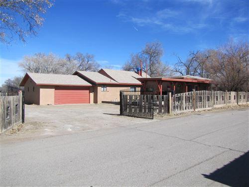 Photo of 2230 HENRY Road SW, Albuquerque, NM 87105 (MLS # 961945)