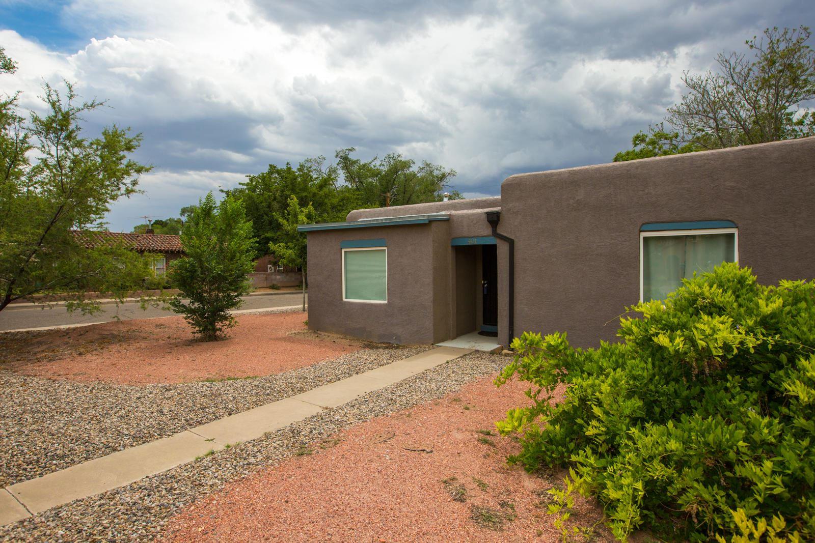 Photo of 401 Carlisle Boulevard NE, Albuquerque, NM 87106 (MLS # 970947)