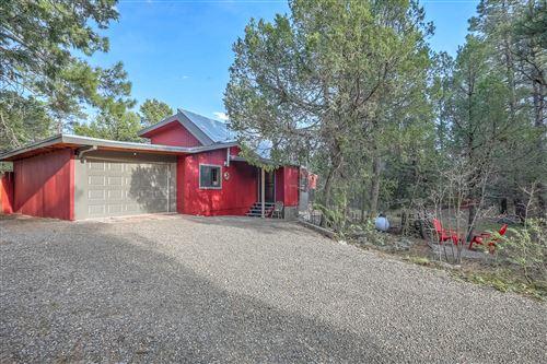 Photo of 7 WHIPPOORWILL Lane, Tijeras, NM 87059 (MLS # 991949)