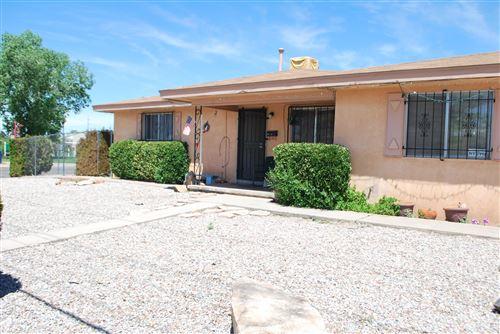 Photo of 444 ARIZONA Street SE, Albuquerque, NM 87108 (MLS # 967951)